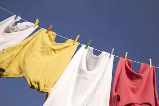 कोरोना वायरस के संक्रमण से बचने के लिए कपड़े धोने में क्या सावधानियां बरतनी चाहिए