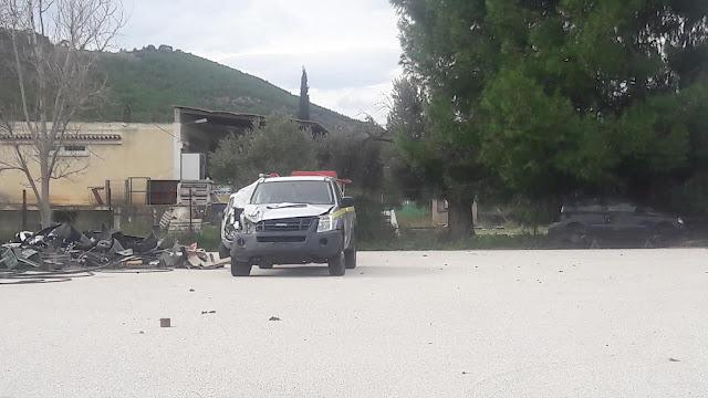 Παρατημένο με ζημιά όχημα του Δήμου Ερμιονίδας