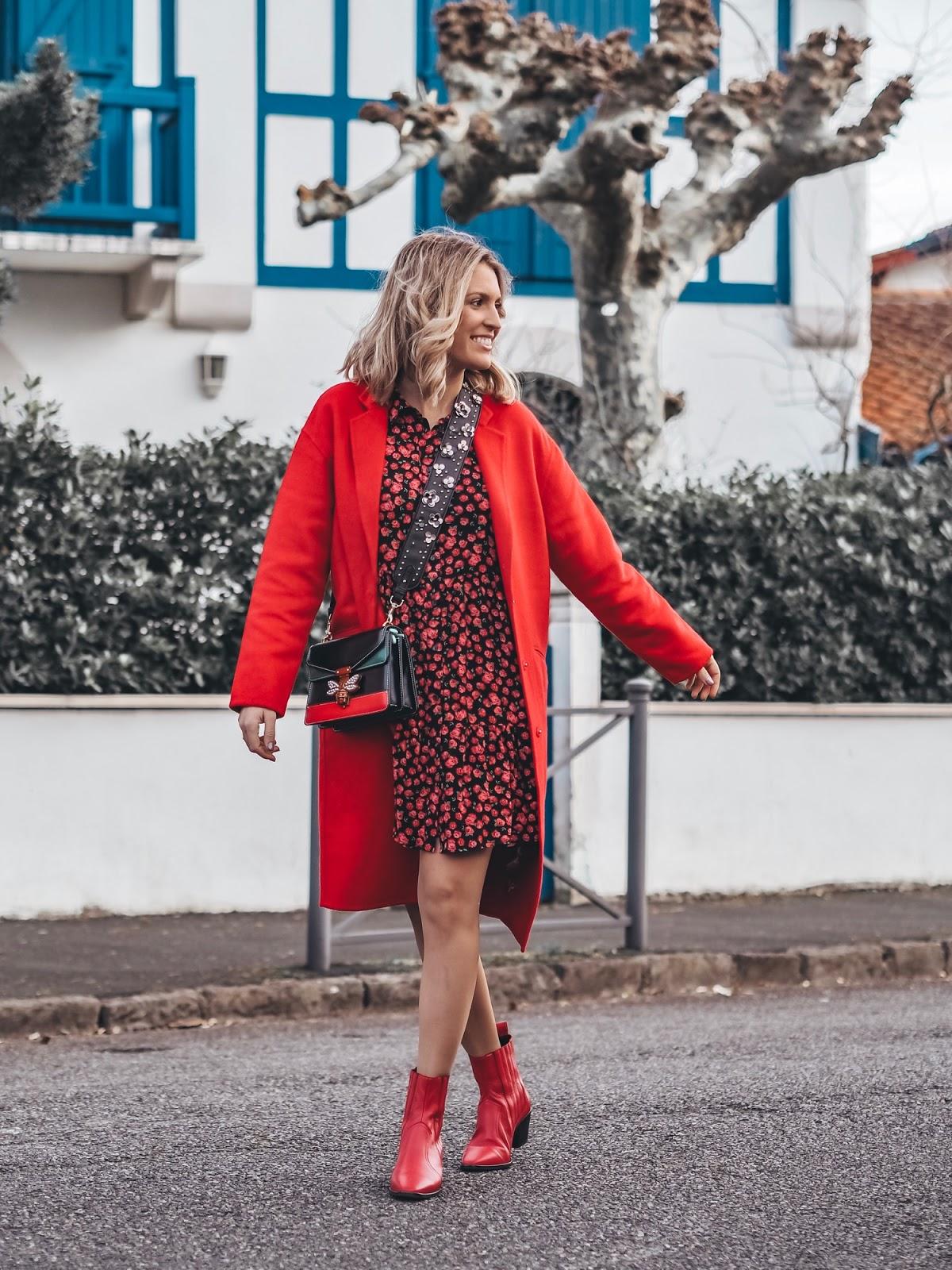 combinar abrigo rojo