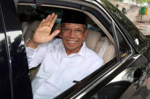 Profil KH Hasyim Muzadi