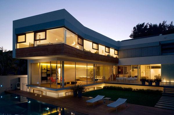 Hogares frescos casa contempor nea de dos niveles en for Casa moderna l