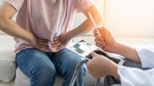 Hérnia abdominal: como identificar sinais de alerta e quando buscar atendimento de urgência