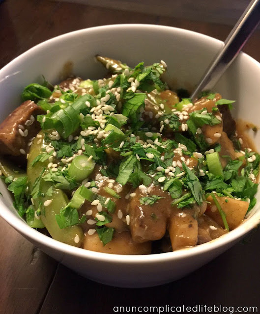 Beef, snap pea and mushroom stir fry
