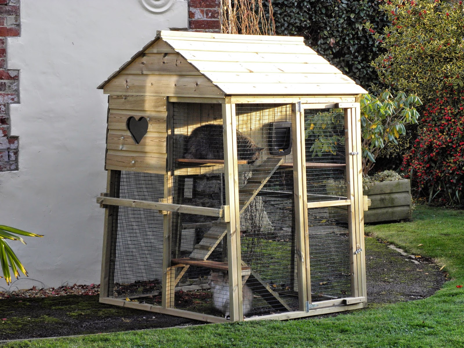 Cat Houses for the Garden