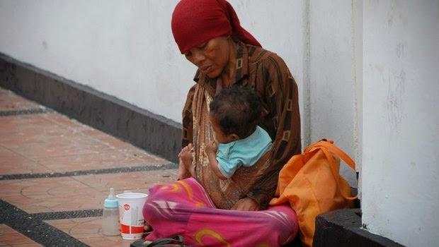 Hidup dibawah garis kemiskinan yang dirasakan rakyat ternyata begitu banyak