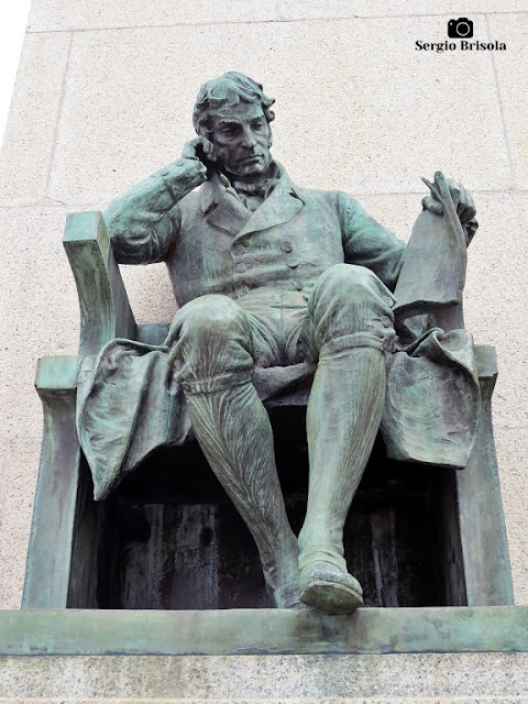 Close-up da Escultura Joaquim Gonçalves Ledo - Ipiranga - São Paulo