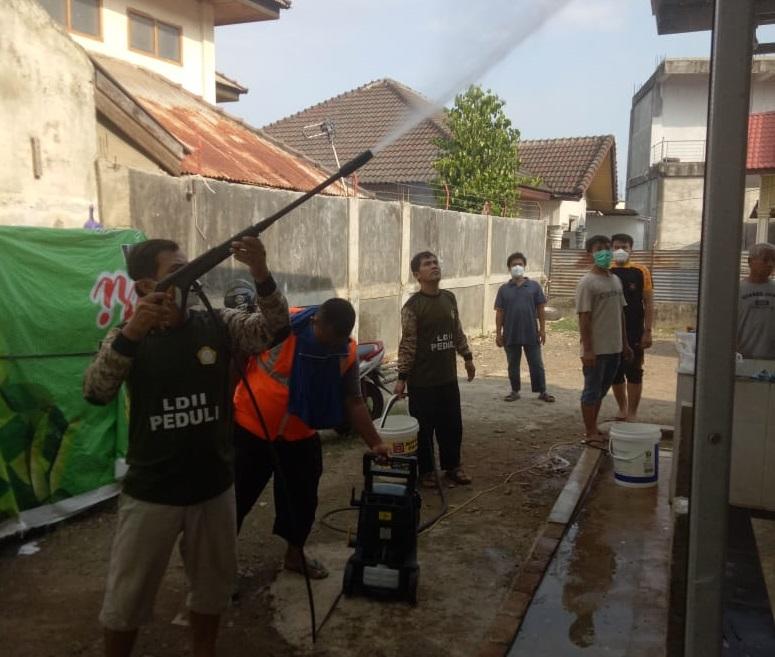 LDII Aceh Melaksanakan Kegiatan Penyemprotan Disinfektan