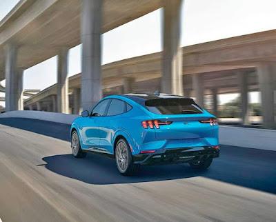 سيارة فورد موستانج Mach-E .. أولى خطوات شركة فورد Ford في سوق السيارت الكهربائية !