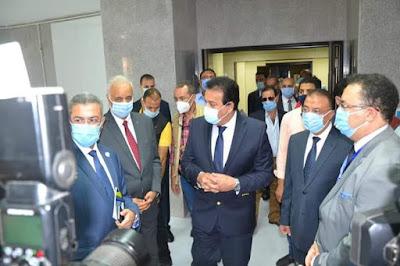 وزير التعليم العالي ورئيس جامعة الإسكندرية يفتتحان أعمال التطوير بطب الإسكندرية بقيمة 65 مليون جنيه.