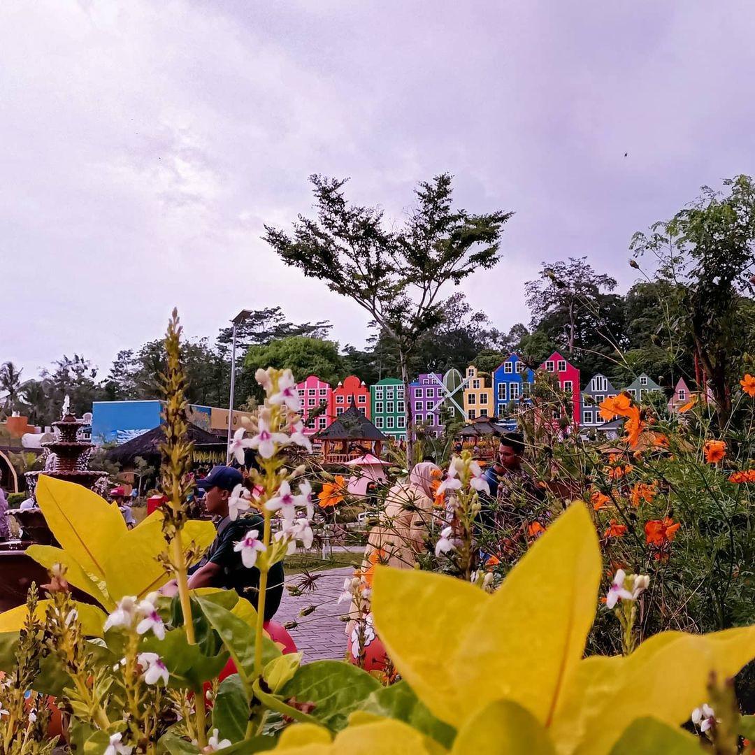 Mahoni Bangun Sentosa Serang Banten