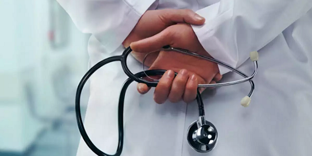 मेडिकल स्टोर संचालक से दोस्ती डॉक्टर को पड़ी महंगी 19 लाख भरने पड़े   JABALPUR NEWS