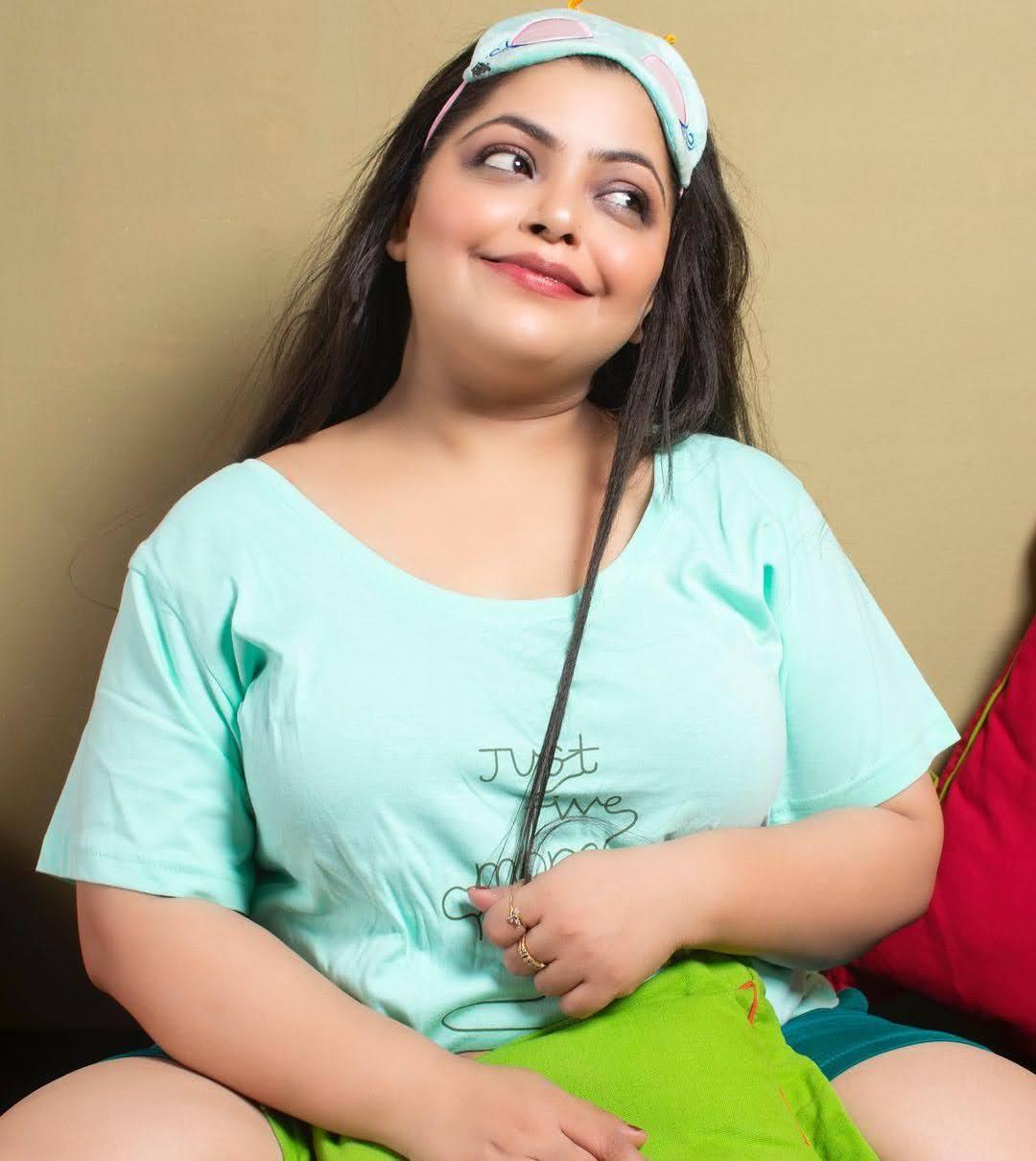 Divya Bhatnagar 4