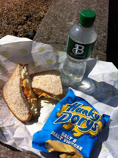 sandwich_and_crisps