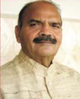 जौनपुर के शैक्षणिक विकास में अशोक कुमार सिंह का महत्वपूर्ण योगदान– कृपाशंकर सिंह | #NayaSaberaNetwork