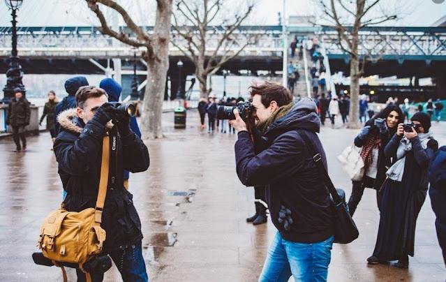 Tips Aman Mengambil Foto atau Memotret Orang Ketika Travelling