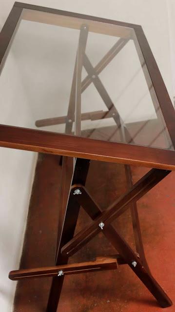 mesas-de-dibujo-en-pino-chileno-con-sobre-de-vidrio
