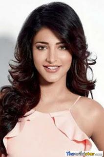 شروتي حسن (Shruti Haasan)، ممثلة ومغنية وعارضة أزياء هندية