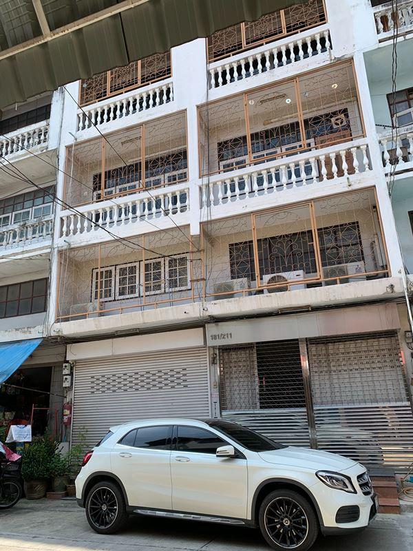 ขายอาคารพาณิชย์ 2 ห้อง 5 ชั้น ทะลุติดกัน ซอยสิงหฤกษ์ ถนนประชาราษฎร์2 เขตบางซื่อ กรุงเทพมหานคร