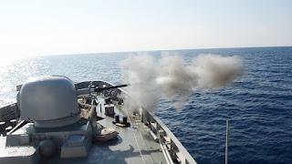 Tembakan Meriam KRI Sultan Hasanuddin 366 Saat Latihan Dilaut Mediterania