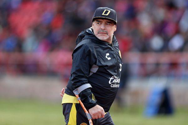 Lenda do futebol, Diego Maradona morre aos 60 anos