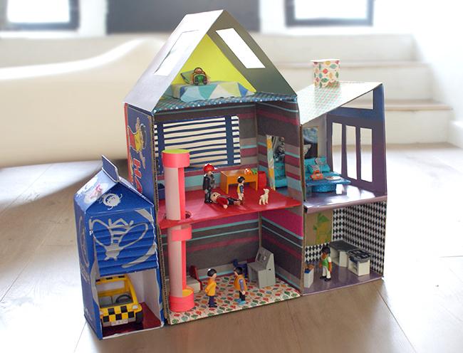 lulusuperglu une maison en carton pour playmobil. Black Bedroom Furniture Sets. Home Design Ideas