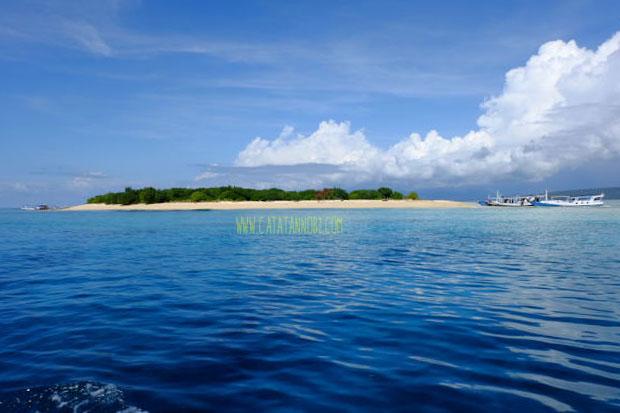 Pulau Tabuhan Banyuwangi  Pulau Kecil di Tengah Laut