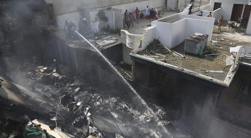Pakistan plane crashes near Karachi