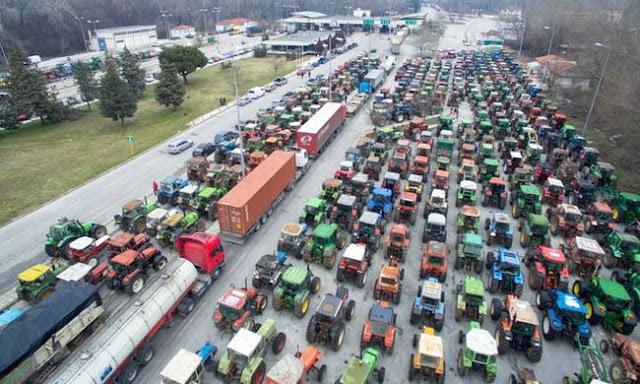 Αρχίζουν από αύριο τα μπλόκα των αγροτών στο εθνικό οδικό δίκτυο