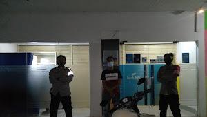 Personil Polsek Cimaung Polresta Bandung Giat Pelayanan Pengaturan Lalu Lintas
