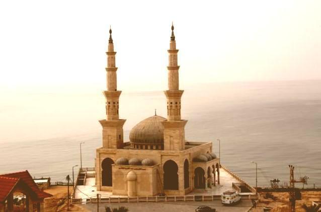 Gaza Batasi Umat Muslim Shalat Jamaah di Masjid