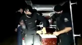 Polícia Militar encontra 300 kg de maconha escondidos em caixões de supostas vítimas de covid 19
