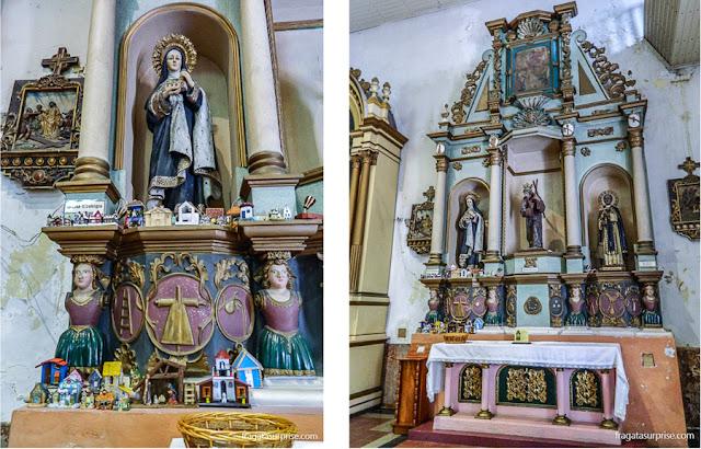 Oferendas para conseguir a casa própria na Igreja de São José, casco Viejo da Cidade do Panamá