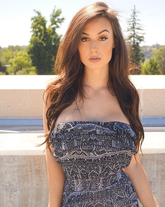Bianca Kmiec Biography