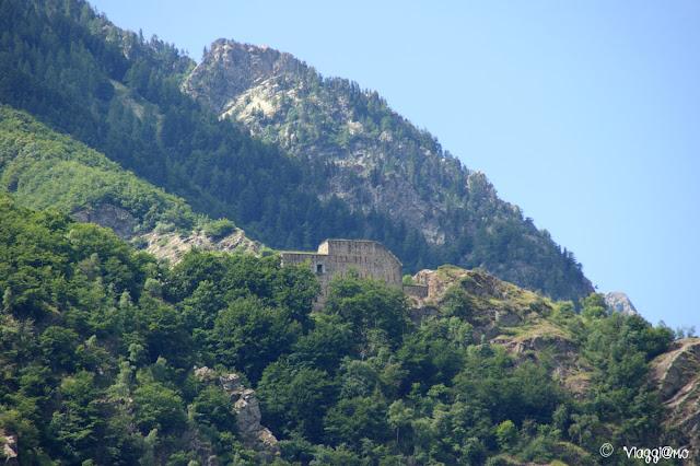 La batteria Serziera è uno dei piccoli forti annessi al Forte Albertino di Vinadio