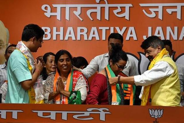 17 Darjeeling municipality councillors joins BJP in presence of MP Raju Bista