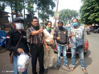 Bakti sosial Jurnalis Karawang dalam memerangi COVID 19
