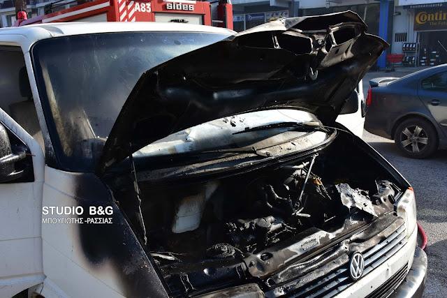 Πυρκαγιά σε σταθμευμένο όχημα στο Ναύπλιο