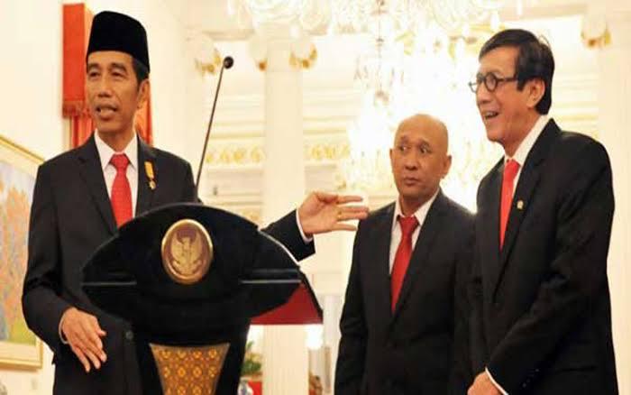 Tiket Asimilasi Dihargai Rp5 Juta, Tidak Ada Alasan Lagi bagi Jokowi untuk Tidak Mencopot Yasonna