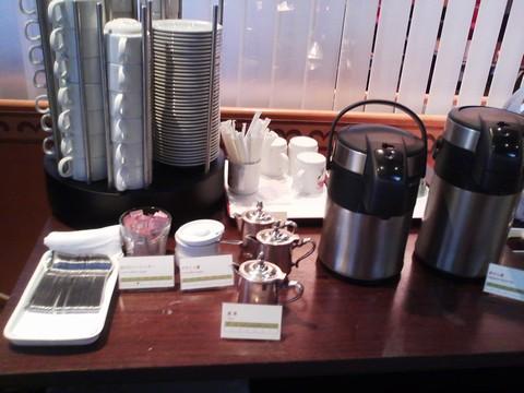 ドリンクコーナー:お茶 ホテルエミシア札幌カフェ・ドム