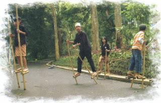 http://imanlukman23-id.blogspot.com/2016/04/permainan-baheula-urang-sunda-anu-bikin.html