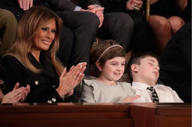 Menino cochila durante discurso de Trump e viraliza