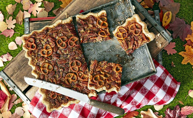 Pretzel-Chocolate-Pecan Slab Pie