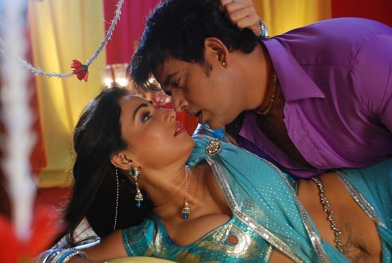 Reshma hot sexy - 2 3
