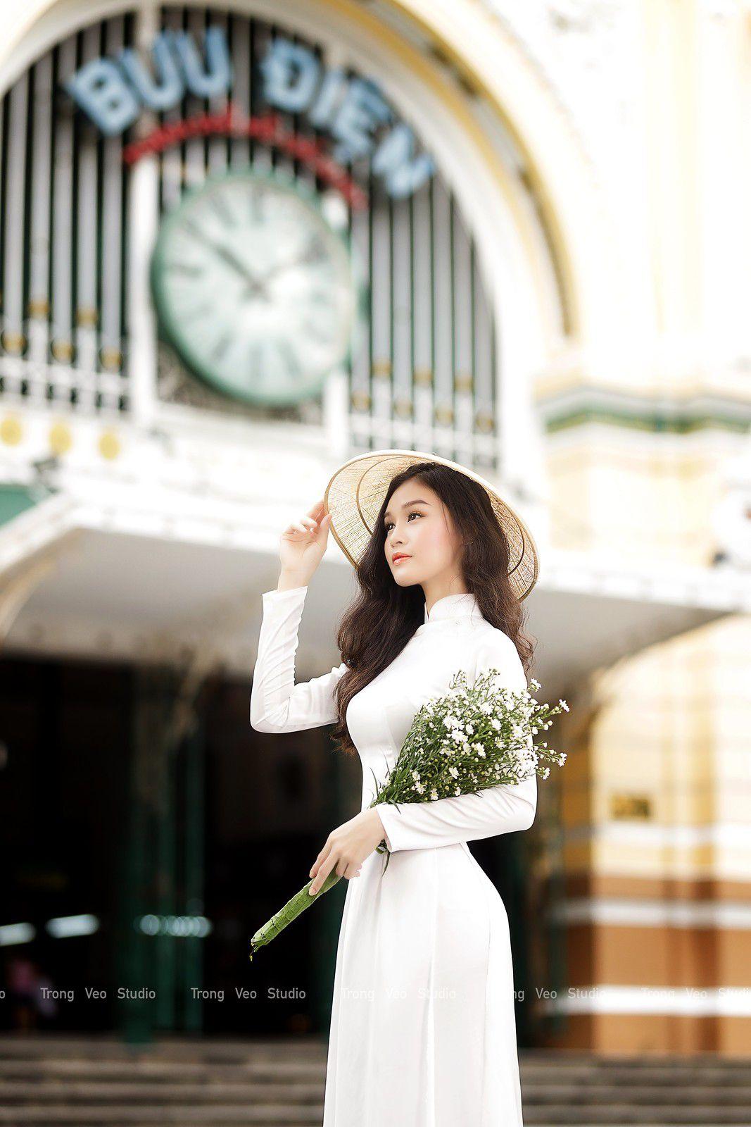 Ngắm bộ ảnh hoa khôi Phương Đoan đẹp hú hồn trong tà áo dài trắng thướt tha 8