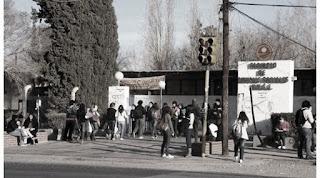 Adicus publicó un comunicado anunciando un nuevo paro para este lunes 4 de abril en la UNSJ. La medida se dió a conocer luego de que la Secretaría de Políticas Universitarias convocara el martes 29 de marzo a las seis federaciones docentes para recibir los reclamos docentes e informar que no tienen ninguna propuesta salarial para realizar.