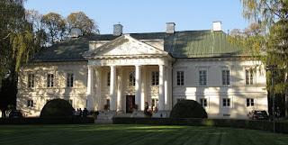 Pałac w Małej Wsi - elewacja frontowa 2017