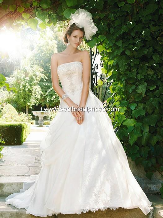 Wedding Dresses And Wedding Accessories June 2011