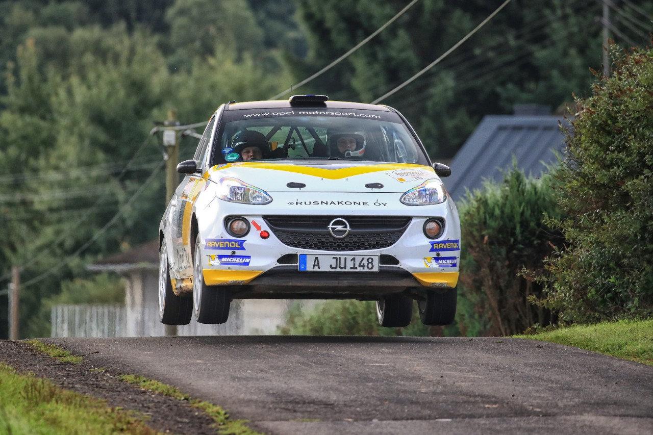 Πλούσιο θέαμα από τους νέους οδηγούς του ADAC Opel Rallye Cup. Δυνατή και πάλι η παρουσία της Opel στο Γερμανικό αγώνα του WRC