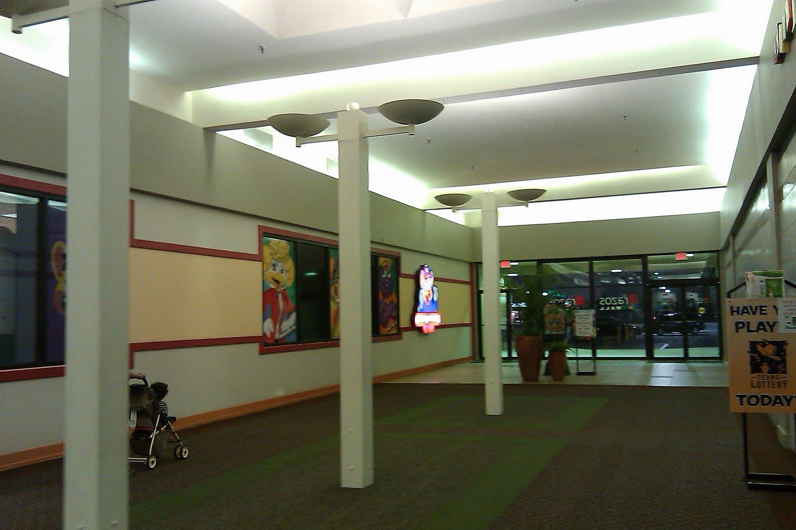 The Louisiana And Texas Retail Blogspot Brazos Mall Lake Jackson Texas