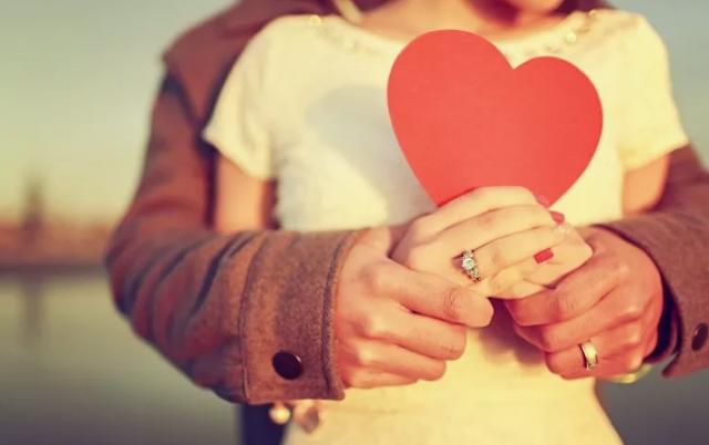 Alasan Cinta Pertama Sangat Spesial